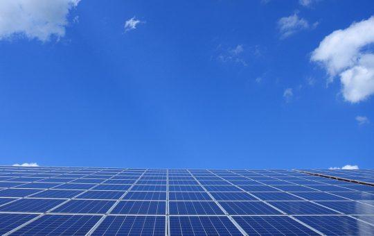 Co dają nam panele słoneczne?